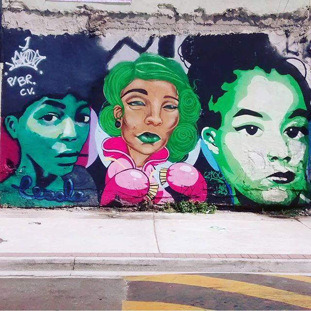 #kickinstagram #instakick #wildstyle #bomb #errejota #rj #riodejaneiro #urbanwear #urbanart #paint #arteurbana #avc #addamsvisualcrew #spraypaint #streetartrio #streetart streetartword #graffitilove #hellomynameis #kick #kickfive #KICK5 #lovepaint #loveletters #letters #izy #zonanorte #cesola #vandalrj #brasilvandal #blacbook