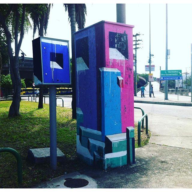 #monolitosurbanos #monolitos #mariobands #bands #artistainterventor #artistasurbanos #streetartrio #streetartofficial #instagrafite #instapicture #artevisual #streetarteverywhere #artistasurbanos #arteintervenção #esculpture #escultura
