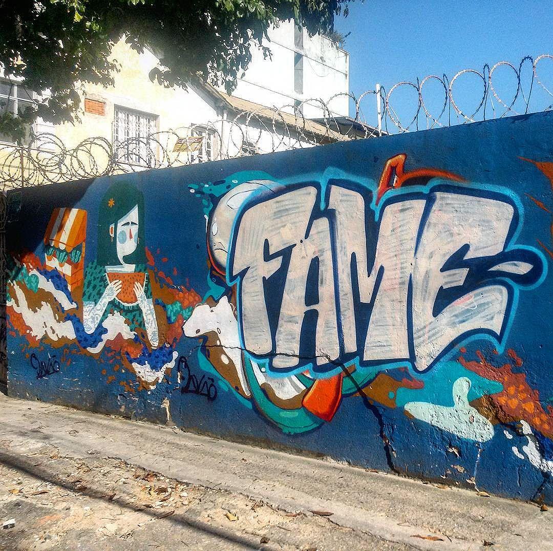 #StreetArtRio  Mural na rua Doutor Satamini perto da esquina com a rua São Francisco Xavier, na Tijuca; 3/4  Artistas no detalhe: @viniciuscarvas (Cash) e @betofame (Fame)  Tirada em 25/12/2015