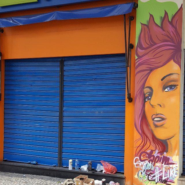 Finished!! #capimnaparede #streetartrio #graffitirj #rjgraffiti #streetphoto_brasil #artenasruas #olheosmuros #mtn94 #streetstyle #graffiti #copacabana