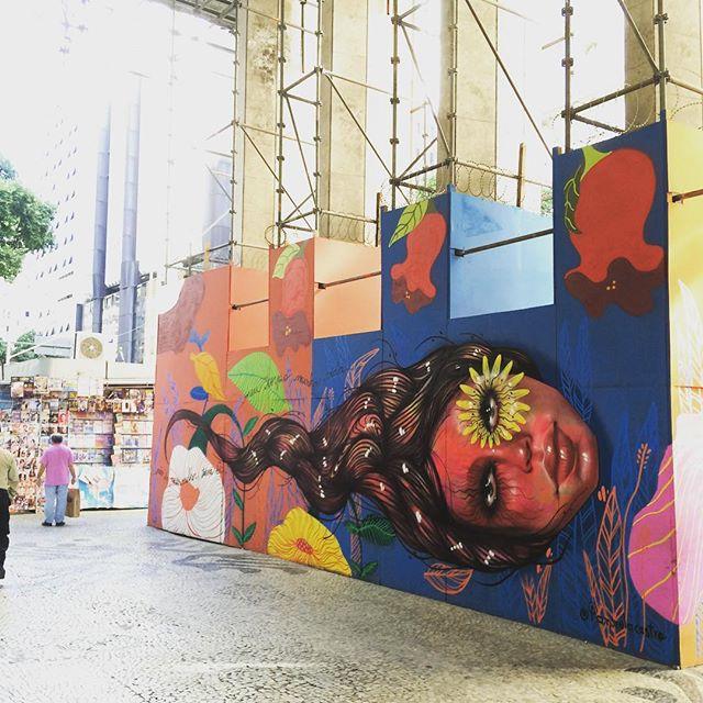Painel de Panmela Castro na Caixa Cultural. #streetart #arteurbana #grafite #graffiti #grafiterio #graffitirio #graff #urbanart #urbanartrio #art #artederua #streetartrio #streetartbrasil #arteurbanario #artederua #instagraffiti #instagrafite #spray #streetlife #artrua #panmelacastro