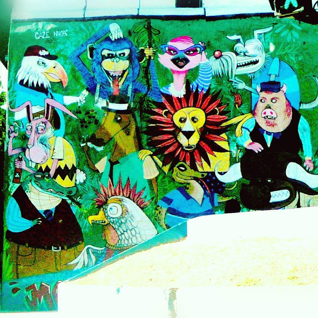 A bicharada reunida... #streetartrio #streetart #graffiti #riodejaneiro #peloRio #riodosmeusolhos #errejota #rj #orionaoesopraia #centrorj #diariodorio #nosmurosdacidade #animals #animais #nhobigraffiti