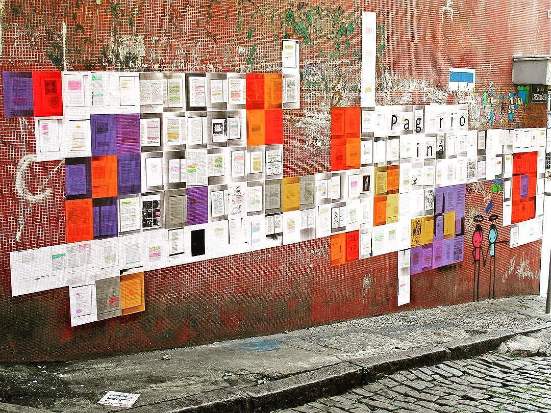 Another angle of our new mural!  Outro ângulo do nosso novo mural! Que está em sua segunda fase e ainda vai crescer mais!  Rua Riachuelo, 201, Lapa-RJ. Esquina com Ladeira do Castro.  #paginario #lapale #riodejaneiro #ladeiradocastro #rioofficialguide #streetartrio #globalstreetart #brazil #streetarteverywhere #muralsdaily #riooficial #rioofficialguide #arteurbana #urbanart #art #literature #bookgram #books #streetpoetry #streetwriter