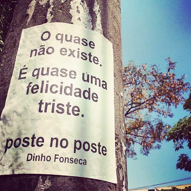 Conheça meu livro VERDADE NOTURNA (Chiado Editora - 284 págs.) no Facebook.  Você poderá adquirir o seu pelo site  www.chiadoeditora.com/livraria/verdade-noturna  ou  www.easybooks.com.br/literatura-biografias-humor-e-quadrinhos/poesia/verdade-noturna/  Também em e-book e nas melhores livrarias do Brasil e de Portugal.  Importante é ter saúde. . #poesias #poetry #poema #poemas #verso #versos #poeta #poetas #arte #arteurbana #rj #rio #streetart #original #autor #autoral #post #poste #postes #posts #frases #dinho #dinhofonseca #postenoposte #poster #originals #StreetArtRio #street #verdadenoturna #chiadoeditora