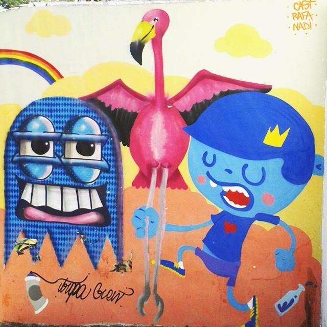 Curte grafite? Então dá uma olhada nessa nova arte feita num muro em frente ao banco Itaú de Vila Isabel (na 28 de setembro). O desenho é obra da galera do @trapa_crew, que está ajudando a revitalizar e dar mais cor a cidade. Muito amor por esse projeto  #errejota #021 #vilaisabel #trapacrew #streetartrio #streetart #arteurbana #vandal #sprayart #graffiti #instagraffiti #instagraff #graffrio #mtn94 #grafite #instaart #fatcap #streetartphotography #spraycan #urbanart #graffitiart #graff #welovestreetart #urbanwalls #cartoon #characters #draw #illustration #xarpi