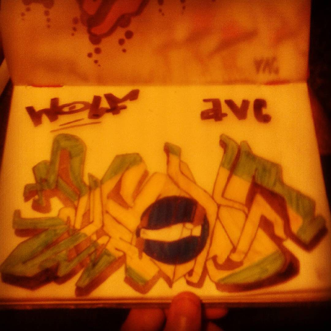 Desordem  e regresso !!! País do caos  e da opressão !! #calvinwolf #wolf  #vandal  #letter  #graffiti  #instagrafite  #streetartrio  #AVCrew  #wildstyle
