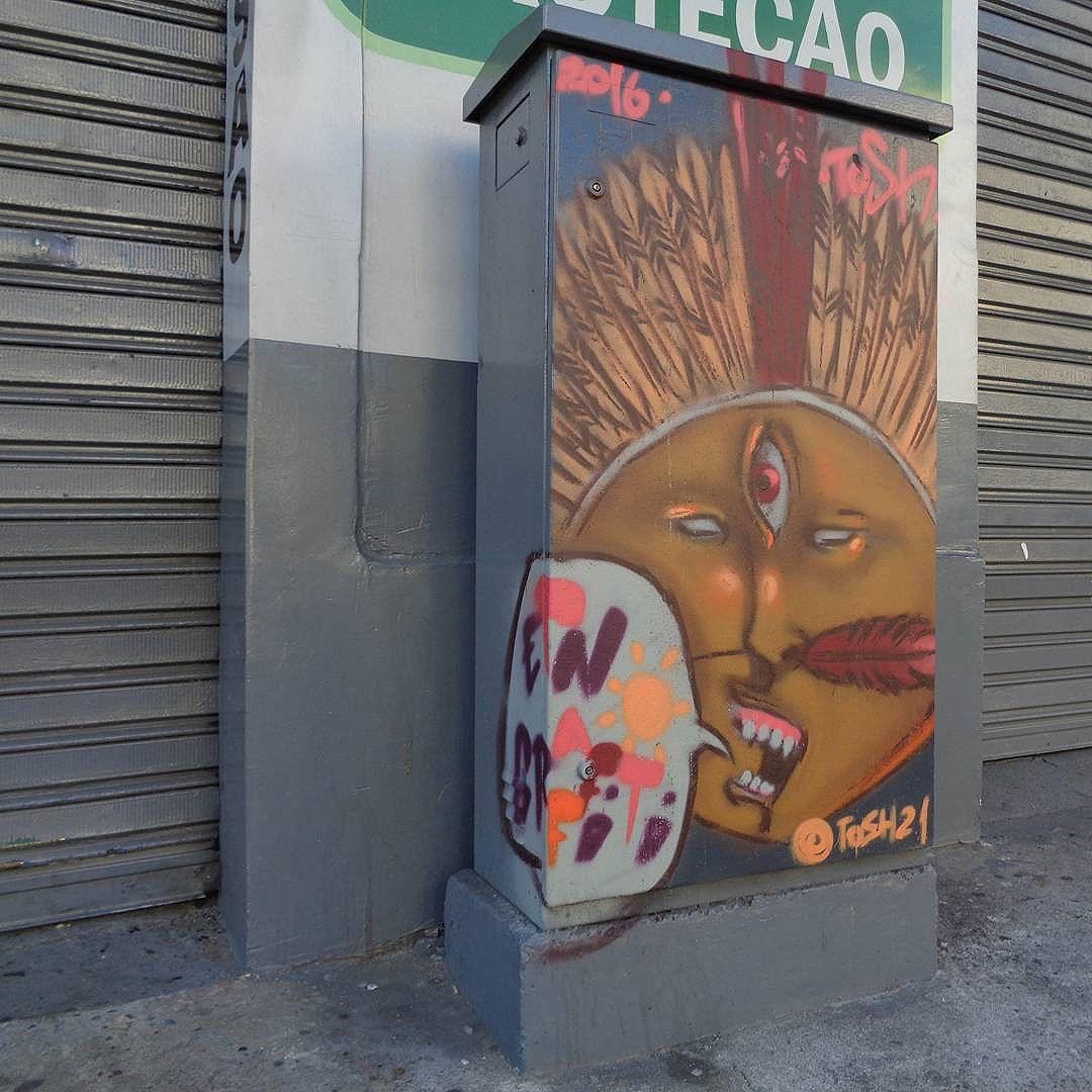 Graffiti art by @tosh021 . #tiagotosh #etnograffiti #streetartrio #graffitiart #streetart #artederua #urbanart #arteurbana
