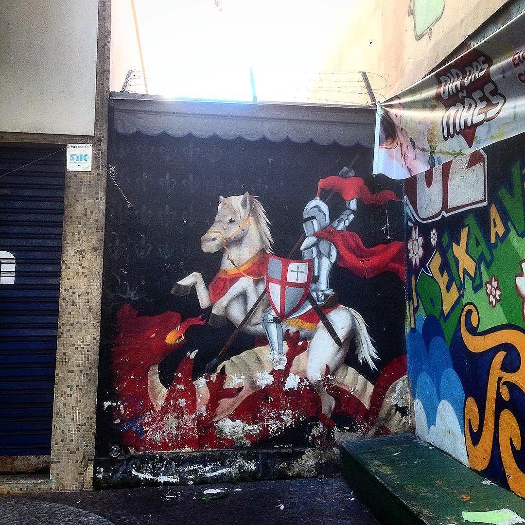 #graffiti #graffporn #streetart #streetartrio #streetartglobe #urbanart #spraydaily #muralsdaily #laranjeiras #riodejaneiro #brazil