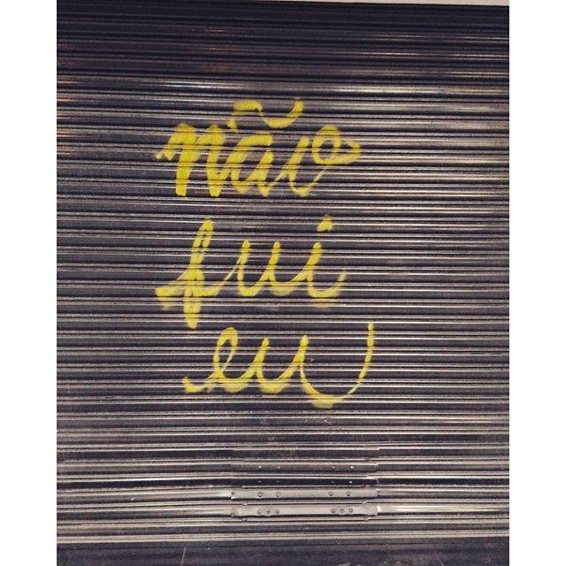 #itwasntme #naofuieu #streetartrio #coloringthewalls #Rio #grafittirio
