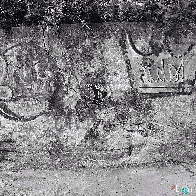 Monkey City. By StDsgn.  Rio de Janeiro . May 2016 . Street Art Rio WebSite : stdsgn.fr Galerie Studio 411  #StDsgn #streetdesign #streetart #Placement #vandal #collage #pasteup #stdsgn #urban #graffiti #EphemeralArt #slackline #slack #slackliner #monkey #streetartporn #montpellier #streetartnyc #streetartlondon #streetartparis #rio #riodejaneiro #streetartriodejaneiro #streetartrio #artderua #artderuario #brasil