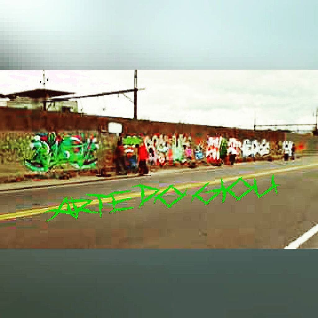 """Oswaldo Cruz zona norte RJ - atack "" #graffitti #graffitiletters #urbanart #lifestyle #streetstyle #streetartrio #letters #instaphoto #instagram #instagraffit #wildstyle #friends #sprayfriends #spraycan #artedogiou #arterua #zonanorterj #zn"