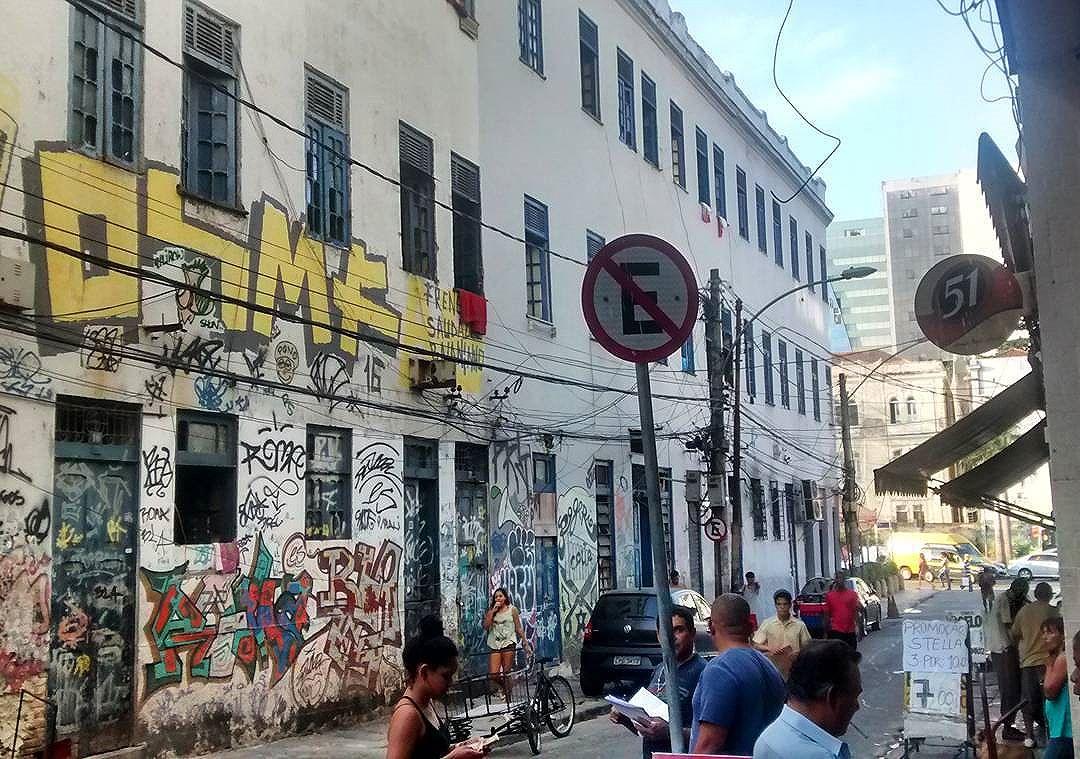 por: @93nks• #rjvandal #streetartrio #streetart #graffiti #graffitiart #art #riodejaneiro #tags #tagsandthrows #throwsup #throwsupz #bombing #bomb #grafite #artist #artoftheday #arteurbana #rj #urbanart #artederua #rua #graffitiwall #sprayart #vandal #galeriaceuaberto #olheosmuros #bombingbrasil #graffitirio #art #makeart