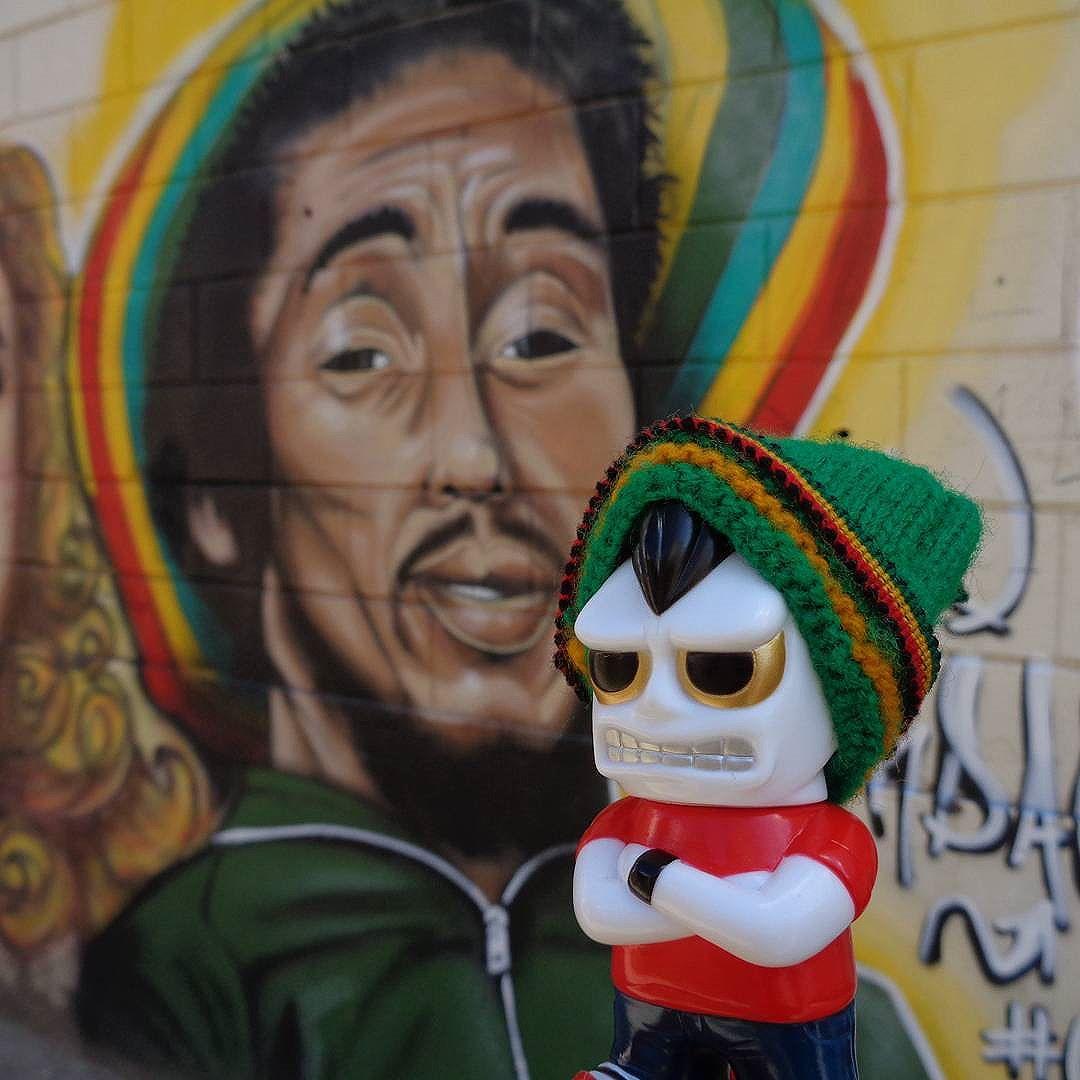 Rasta head. #021crew #streetartrio #graffitiart #bobmarley #rastaman #rastafari #reggaemusic #onihead #realxhead #realhead #RxH