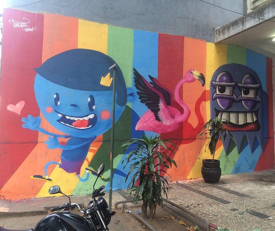 Somos de todas as cores, dores e amores!  #streetartrio #streetart #graffiti #instaart #instagraff #nadigraffiti #cast #rafagraffiti #trapacrew #tijuca