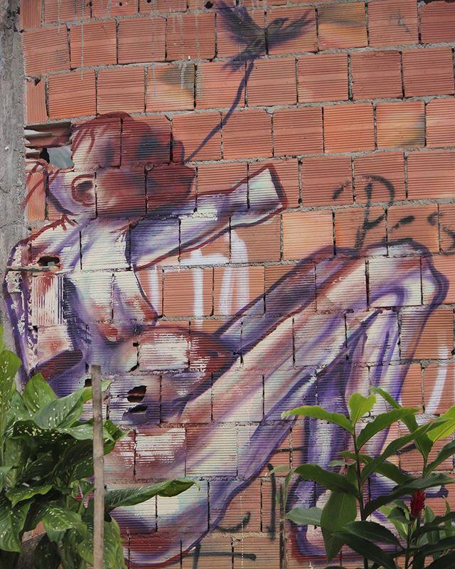 #streetartbrasil #streetart #vidigal #streetartrio #urbanwalls #urbanintervention #patriciadepaulalandscape #patriciadepaulaurban #urbanart #streetphoto #streetphotography #urbanphotography #olheospostes #olheosmuros #grafittiwall #grafittiart #graffiti #graffitibrazil #graffitibrasil #vidigalrj #morrodovidigal