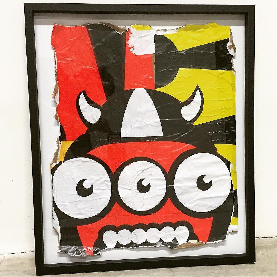 """1"" - obra integrante da exposição ""Recorte"" que esta rolando na @jeffrey_theduck  #rafocastro #leblon #cervejaartesanal #jeffreytheduck #beer #tubira #streetart #streetartrio #gentefina #art #collage #collageart #lambe lambe #pastup #poster #galinhapintadinha"