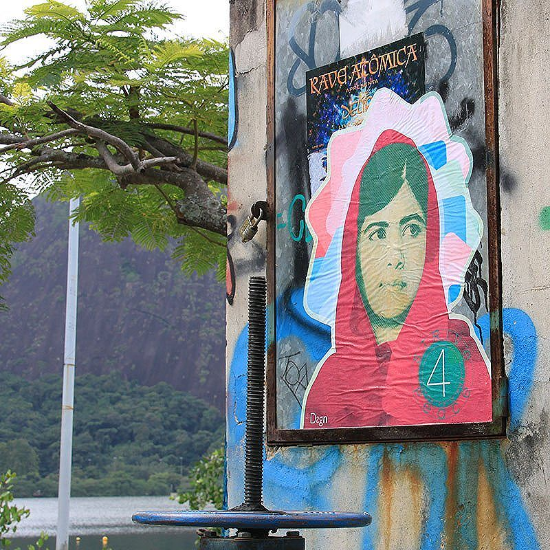 Malala. Strive 4 Peace. By StDsgn.  Rio de Janeiro. June 2016. Street Art Rio WebSite : stdsgn.fr  #StDsgn #StreetDesign #streetartist #rio #riodejaneiro #streetartrio #saopaulo #brasil #streetartistry #streetart #vandal #collage #lambelambe #graphic #design #streetartlondon #streetartparis #streetarteverywhere