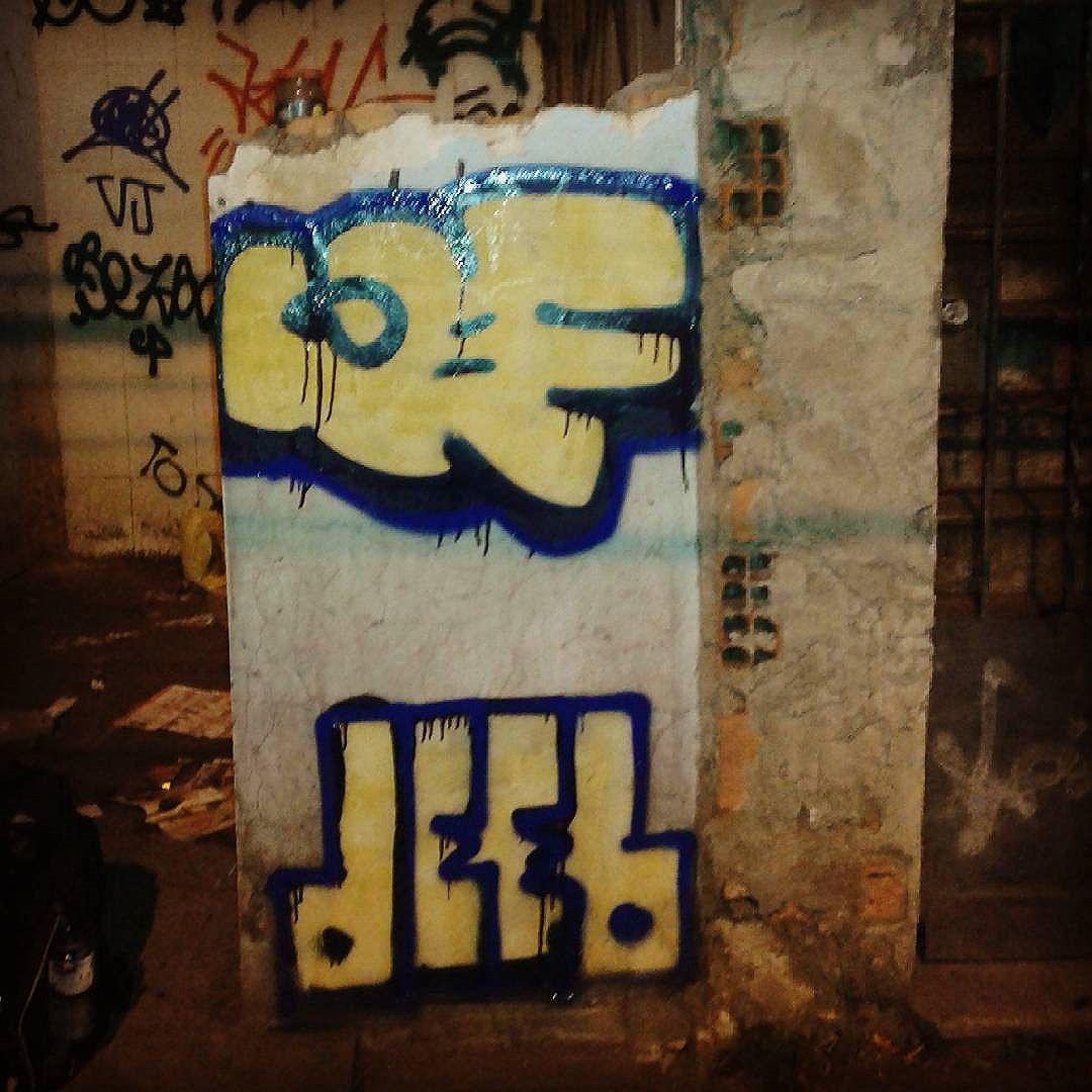 Role com o mano deep #calvinwolf  #wolf  #vandal  #graffiti  #intagraffiti  #bomb  #AVCrew  #streetartrio  #graffitirj