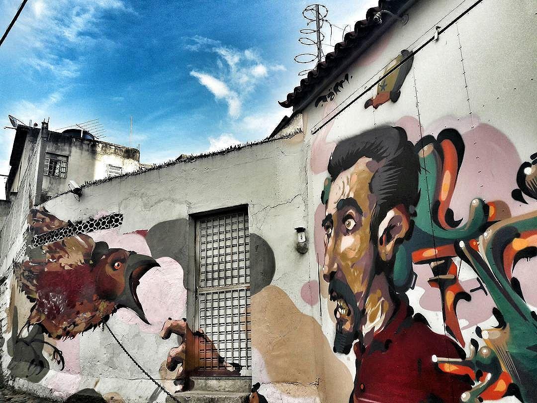 Tirei um tempinho e ... Tarm. Ladeira do Castro (Lapa, subida Santa Teresa), junho de 2016.  Projeto | Iniciativa: @cazearte  #ladeiradocastro #tarm  #janelafluminense #arteurbana #urbanart #grafitti #grafite #grafittiart #ihaveathingforwalls #osmurosfalam #rio365 #streetartriodejaneiro #streetartbrazil #streetartrio #streetartbrasil #lapario #centrodorio #centrodoriodejaneiro
