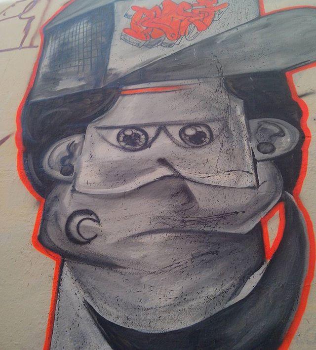 Dia de sol... #romastreetart #streetart #streetartrio #graffiti #blackindio