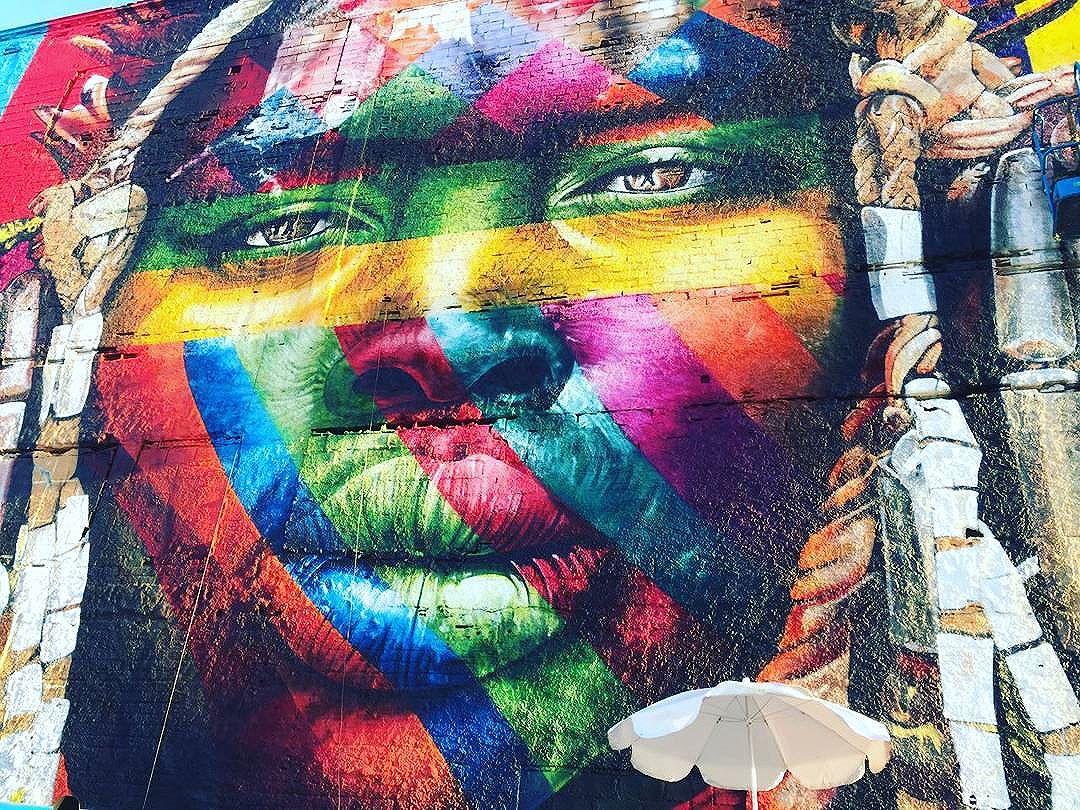 Ela  #streetart #graffiti #streetartrio #errejota #caisdoporto #kobra #art #cores