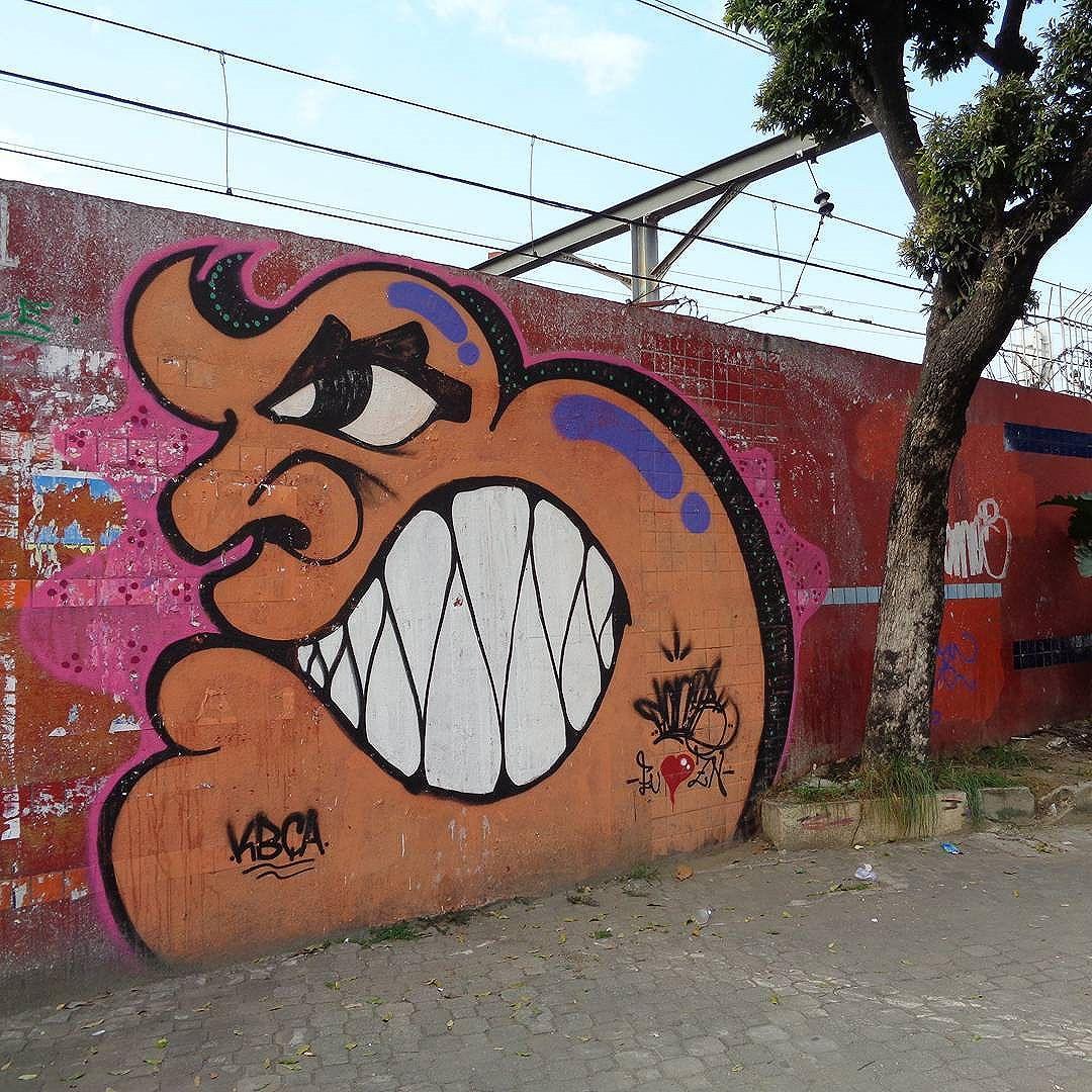 Graffiti wall by @planob_planb . #planob #tremfantasmacrew #streetartrio #graffitiart #spraypaint #bombing #throwup #vandal #vandalo #ilovevandal