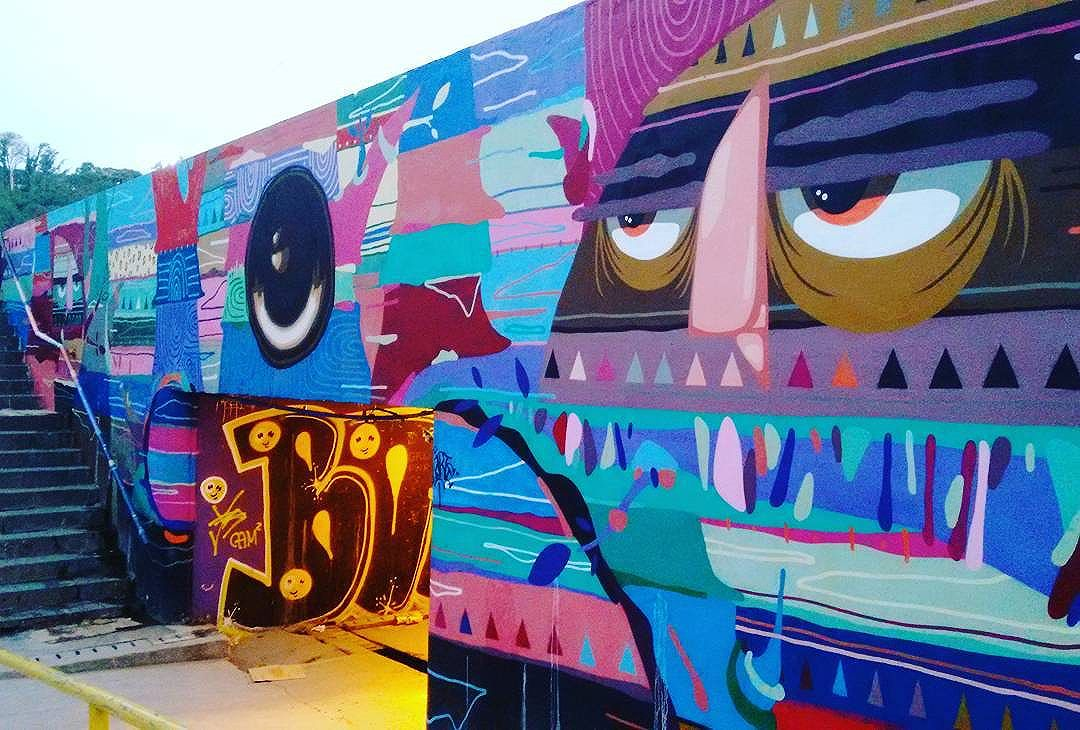 #grafite #graffiti #grafitti #grafiterio #grafittirio #grafitebrasil #graffiti_clicks #dispatch_graffiti #dsb_graff #elgraffiti #ig_graffiti #instagrafite #instagrafitti #murals #lostmurals #globalstreetart #nexus_nation #nexus_streetart #publicart #streetart #streetartrio #streetarteverywhere #sprayart #tv_streetart_ #transfer_visions #urbanart #brazil #riodejaneiro