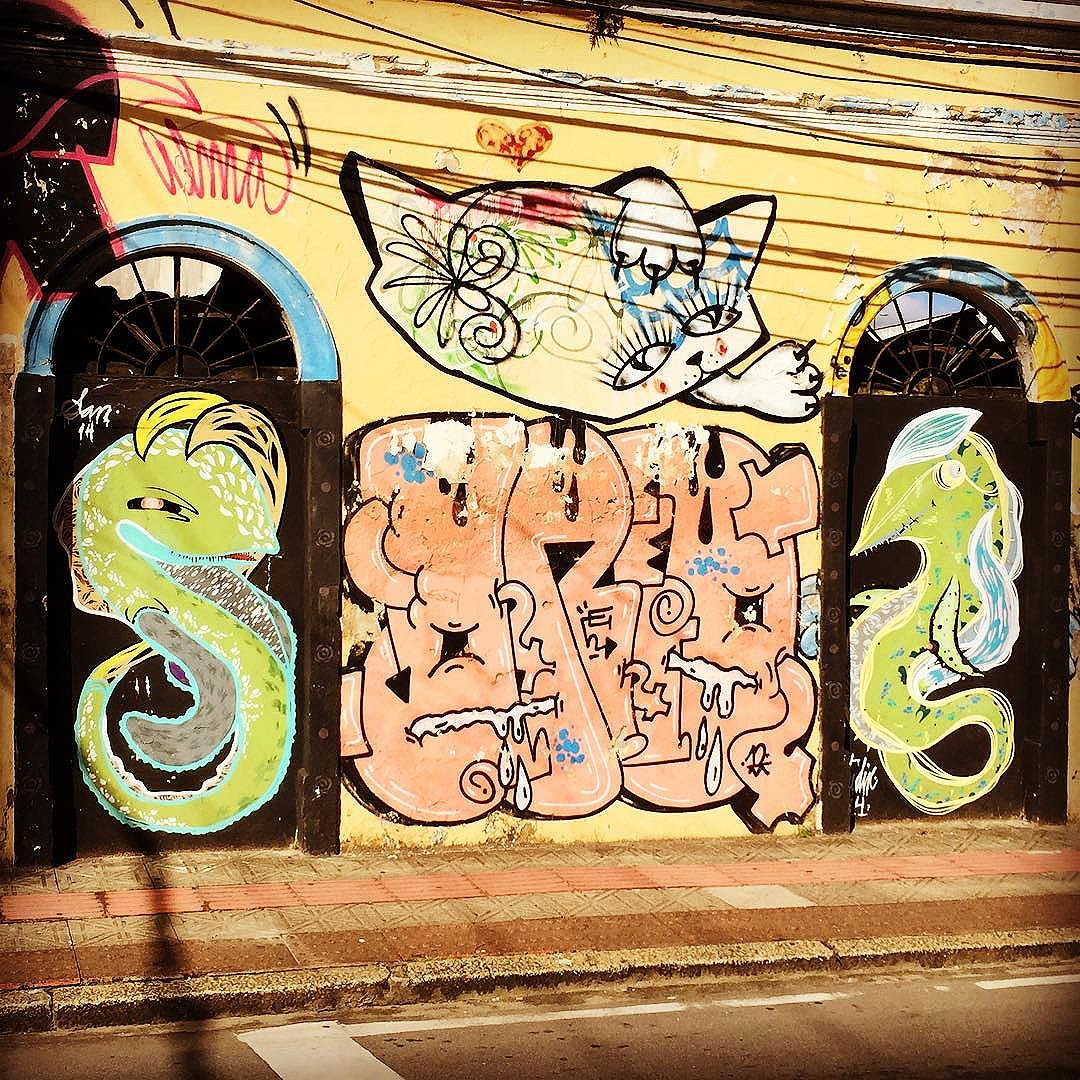 #hellokitty #helloseahorse #florianopolis street art from my recent trip to #Brazil with the http://www.shuffledemons.com #streetart #publicart #graffiti #instagraffiti #urbanart #graffart #graffitiart #graff #streetartrio #murals #popart #newpublicart #graffitistreet #wallgraffiti #kunst #art #sprayart #wallart #publicartwork #art_public #streetartflorianopolis #brasil #florianopolisinstagram