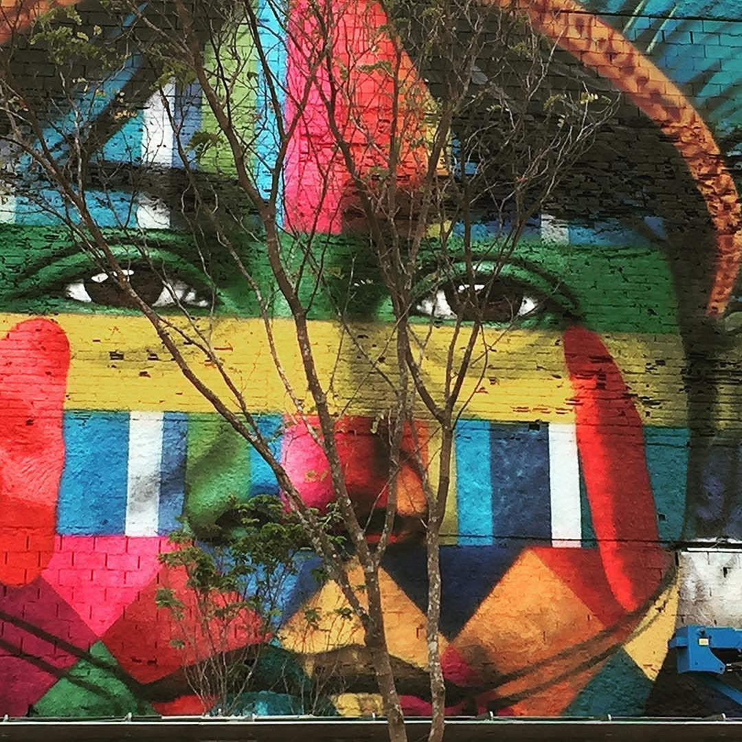 Représentation des 5 continents # rio2016 #voyageursdumonde #streetart #kobrastreetart #streetartrio