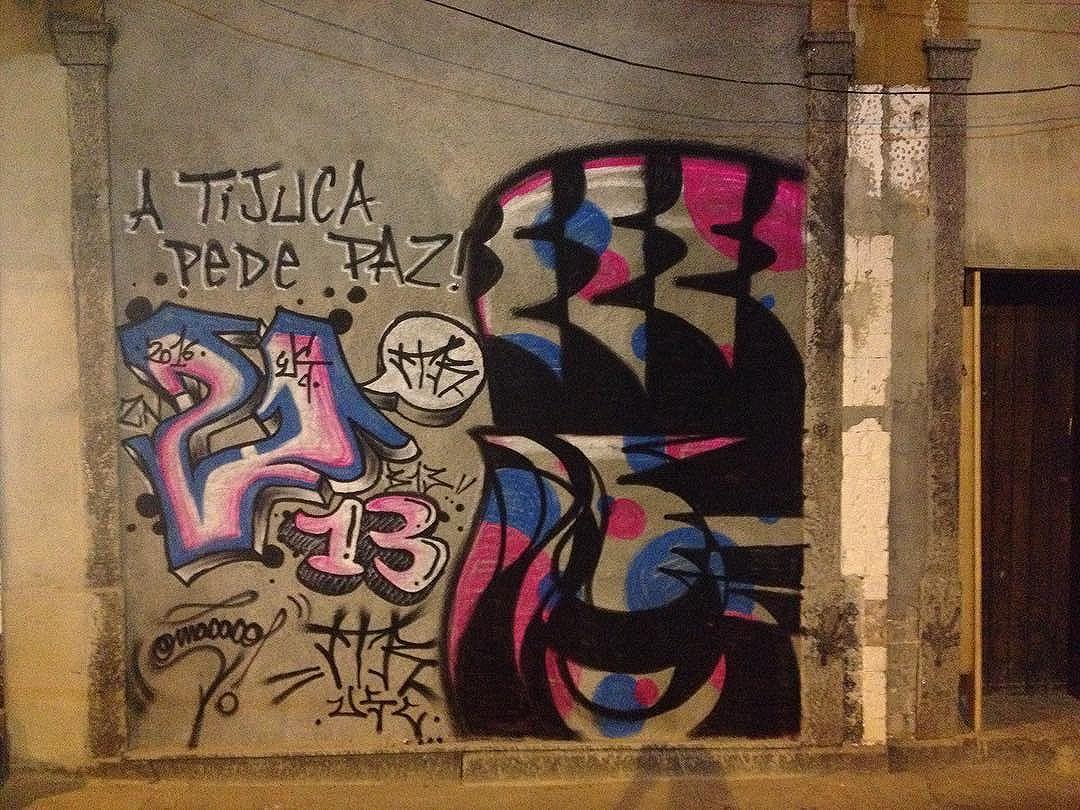 A tijuca pede paz! VTR vs OMA #tinta #graffiti #streetart #rioeuamoeucuido #xarpi #pixo #tag #type #letter #art #vandal #trauape #tagsandthrows #oma #cuidado #treze #rjvandal #vandalism #vandalrj #streetartrio