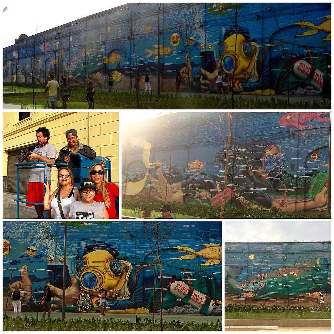 Achei esse fundo do mar super divertido... #EncontrarOArtistaRegistrandoSuaBelaObraNãoTemPreço #UniversoACME #ACME #StreetArt #StreetArtRio #ZonaPortuária #PortoMaravilha #BoulevardOlímpico #Rio2016 #MuseuACéuAberto #SelfsEmbaixoDÁgua #InstaGrafite #InstaGraffiti