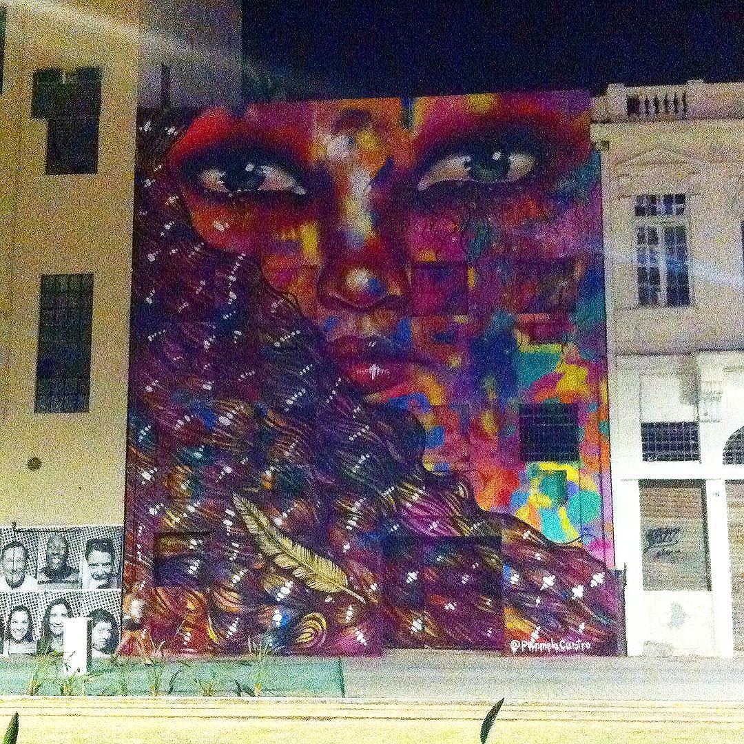 Arte Urbana.  #cidadeolimpica #cariocaavera #streetart #panmelacastro #grafitti #riolifestyle #boulevardolimpico #rio2016 #porainorio #eutonanuvem #umveraopordia #rioenquadrado