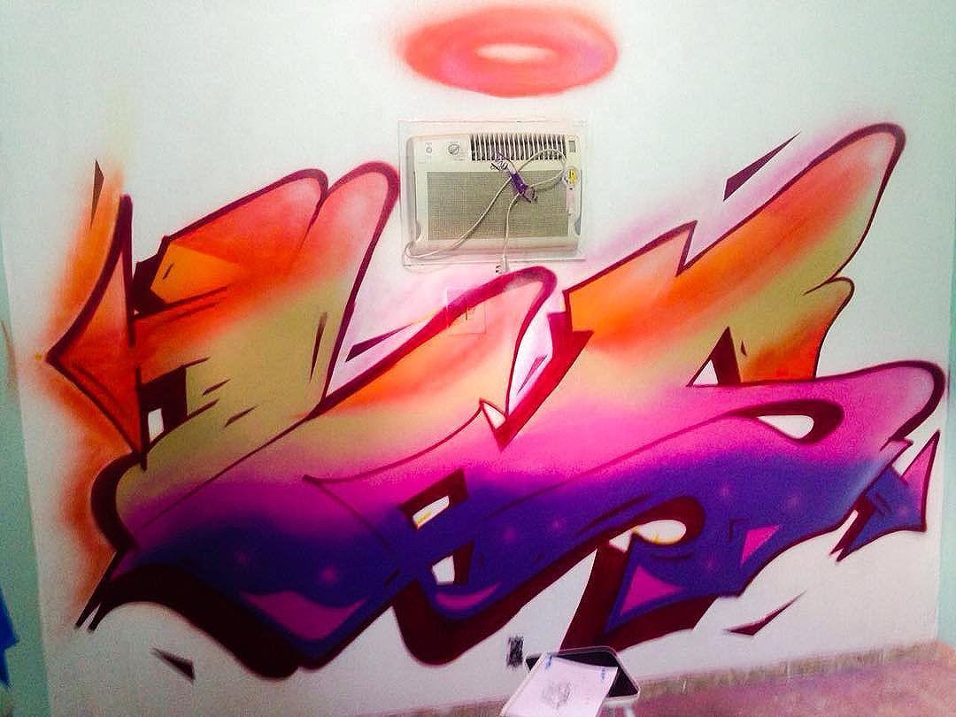 BEACH! ️ Trabalho que fiz no quarto do meu mano @williamsantos_dasilva  Obrigado pelo convite meu mano! #hos #hosgraff #graffiti #graffitistyle #graffitiart #graffitikings #streetart #streetartrio