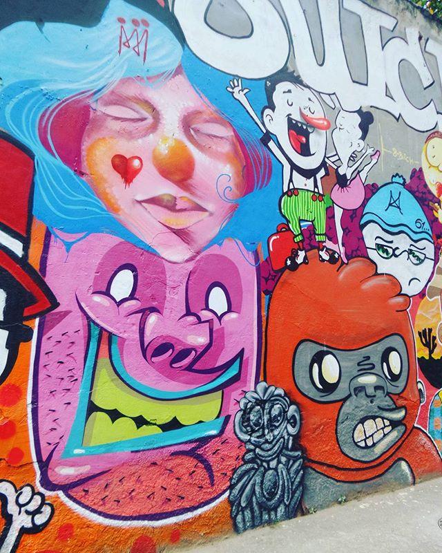 #esquadraosuicida #graffiti #graffitiart #graffitinaveia #graffitilovers #graffiticarioca #grafitismo #graffiticulture #graffitigirl #graffitibrasil #graffitiworld #graffitigram #graffitiporn #graffitiartist #graffittiwall #graffitilife #streetartrio #streetartist #streetstyle #streetphotography #streetphotographers #ofantasticomundodografite #wallporn #sprayart #spraywall #graffirio #streetculture