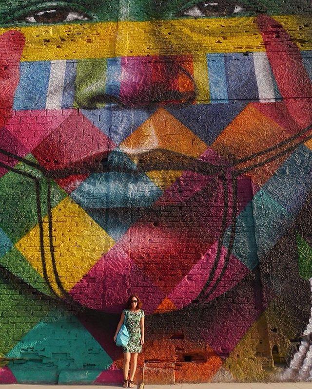 """Los 5 continentes representados ️ """"todos somos um"""" #kobra #streetArtRio"""
