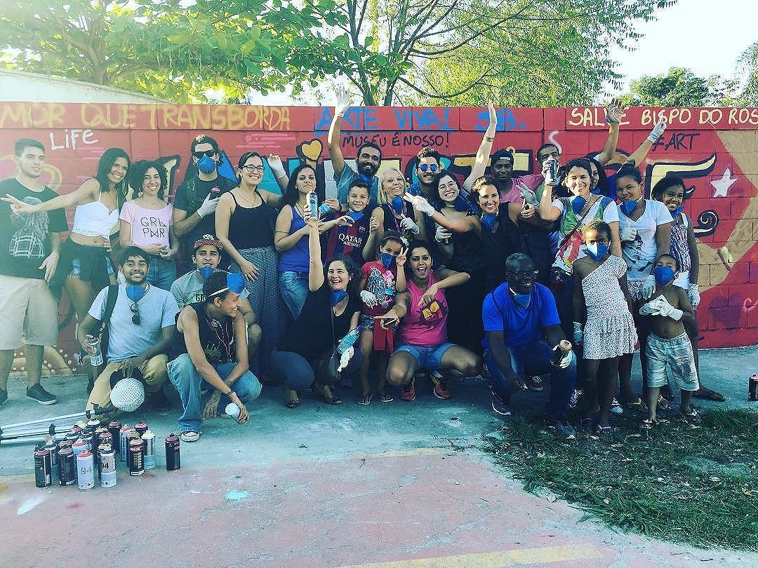Missão dada é missão cumprida! A oficina foi show. Obrigada a todos os envolvidos!!! #redenami #museubispodorosario #graffiti #streetart #streetartrio #oficinadegraffiti
