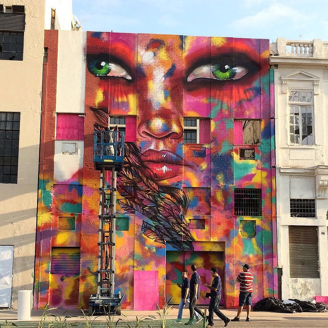O Boulevard Olímpico ganhou diversos murais de #streetart, uma das obras é esta belezura aí assinada pela carioca @PanmelaCastro aka #AnarkiaBoladona.  #Rio2016 #StreetArtRio #artsy #instawalkRio