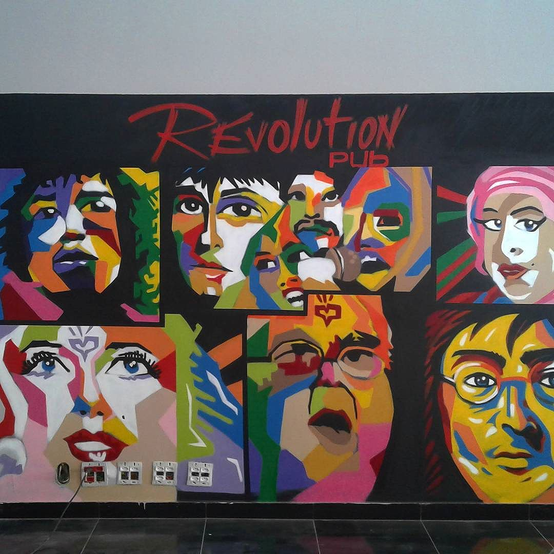 Revolution PUB  #revolutionpub #streetartrio #streetart #streetarttour #music #art #beer #leandroice #jpa