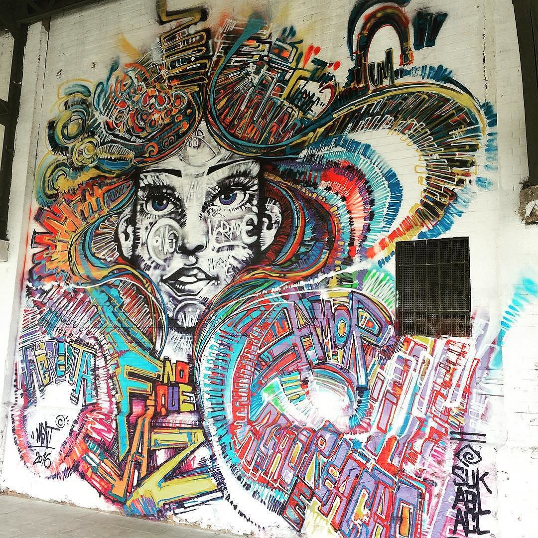 Simplesmente encantador! #MarceloMent #Ment #ArteDeRua #StreetArt #StreetArtRio #BoulevardOlímpico #PortoMaravilha #MuseuACéuAberto #ZonaPortuária #InstaGraffiti #InstaGraffiti #Rio2016