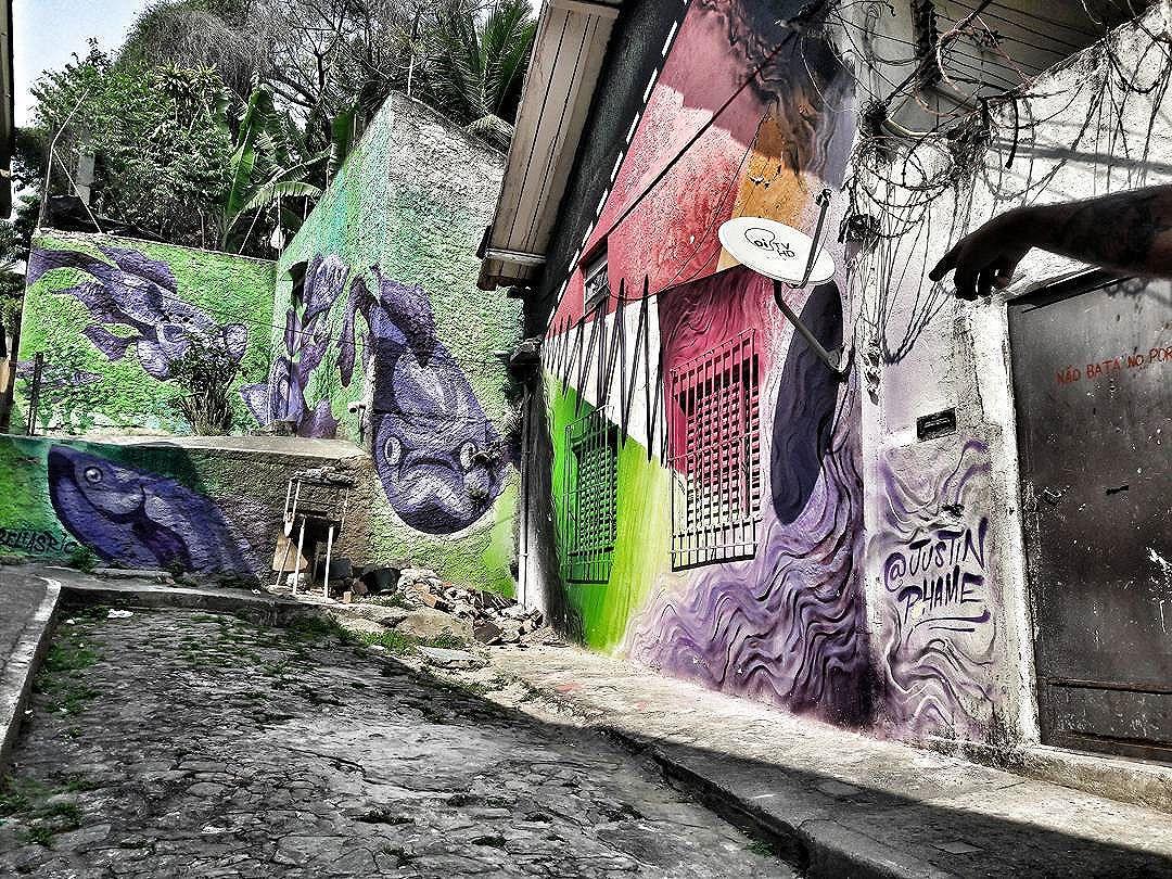 Galeria a Céu Aberto Ladeira do Castro (Lapa- Santa Teresa), setembro de 2016.  Mediação | Projeto | Iniciativa: @cazearte  #ladeiradocastro #bellasrio #justinphame #janelafluminense #arteurbana #urbanart #grafitti #grafite #grafittiart #ihaveathingforwalls #osmurosfalam #rio365 #streetartriodejaneiro #streetartbrazil #streetartrio #streetartbrasil #lapario #centrodorio #centrodoriodejaneiro