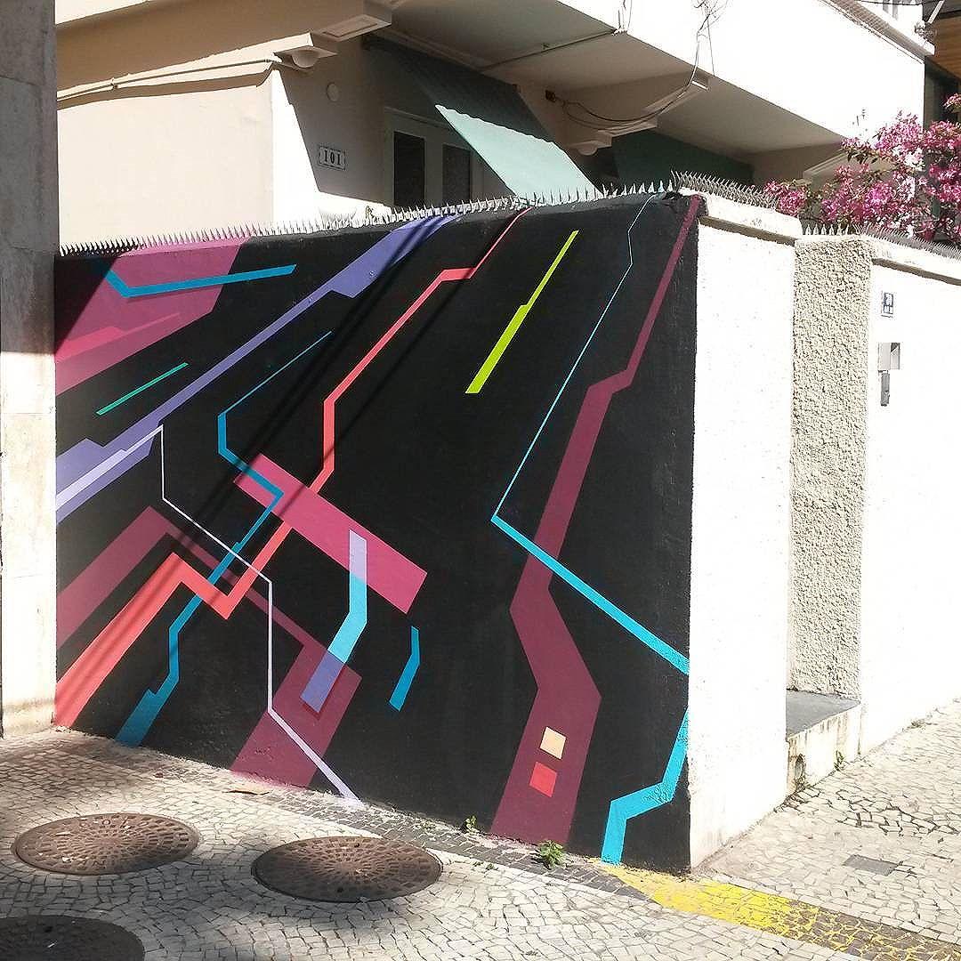 Ipanema #sereno #contraataquesereno #art #arte #artistic #artist #artists #aerosol #aerosolart #arquitetura #architecture #design #designdeinteriores #interiordesign #spray #sprayart #casacor #colors #cores #geometrico #geometricart #geometric #streetart #streetartandgraffiti #streetartrio #instagraffiti #graffiti #graffitiart #riodejaneiro #photooftheday