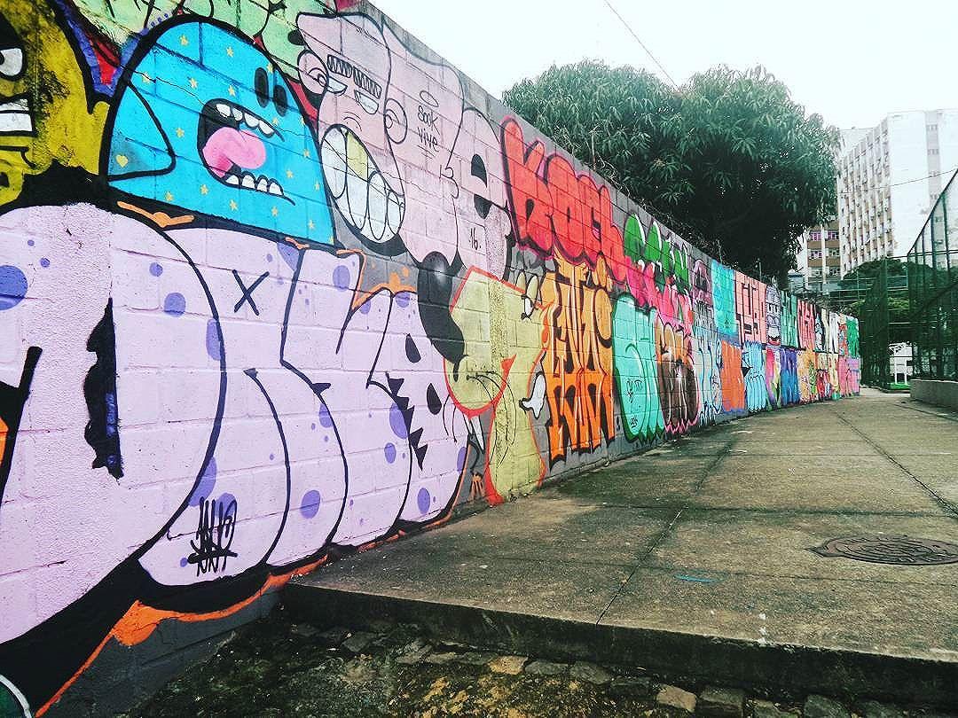 #sopadeletras #streetphotography #streetphotographers #ofantasticomundodografite #urbanstyle #streetarteverywhere #streetartrio #arteurbana #urban #sprayart #aerosolart #be_one_urbanart #graffiti_of_our_world #letters #lettersgraff #vandal