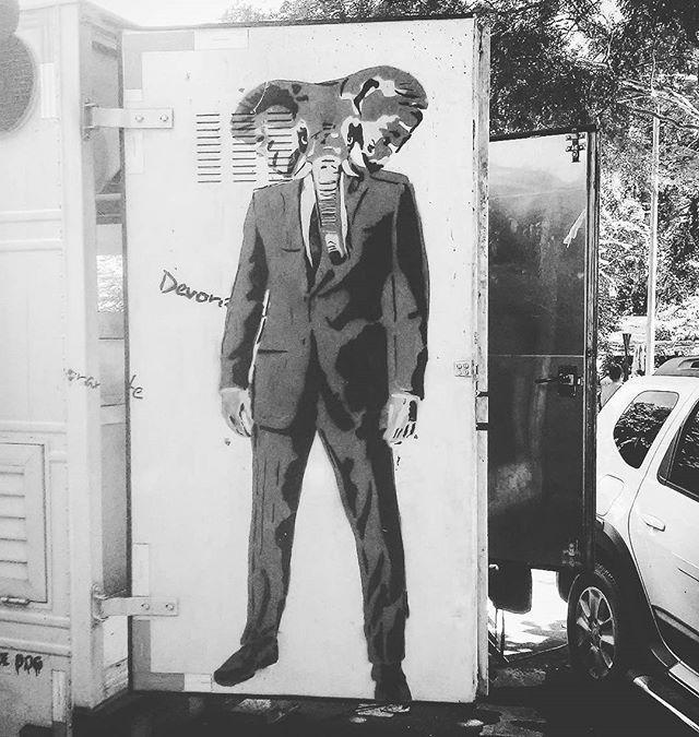 #streetart #urbanart #artecallejero #arturbain #artderue #arteurbana #artederua #graffitiart #grafittiart #graffiti #grafitti #grafite #grafiterj #streetartrio #streetartrj #instagraffiti #instagrafitti #instagrafite #foodtruck #instagrajau #pracaedmundorego #grajau #grajaurj