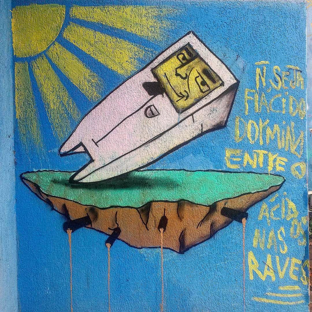 #StreetArtRio  Grafite na rua Campos Sales, próximo à esquina com a rua Mariz e Barros, na Tijuca.  Artista: @felipeparkgraffiti (Park)  Tirada em 13/03/2016  Quer conhecer mais obras deste artista e de tópicos relacionados? Explore mais em: #g021_park
