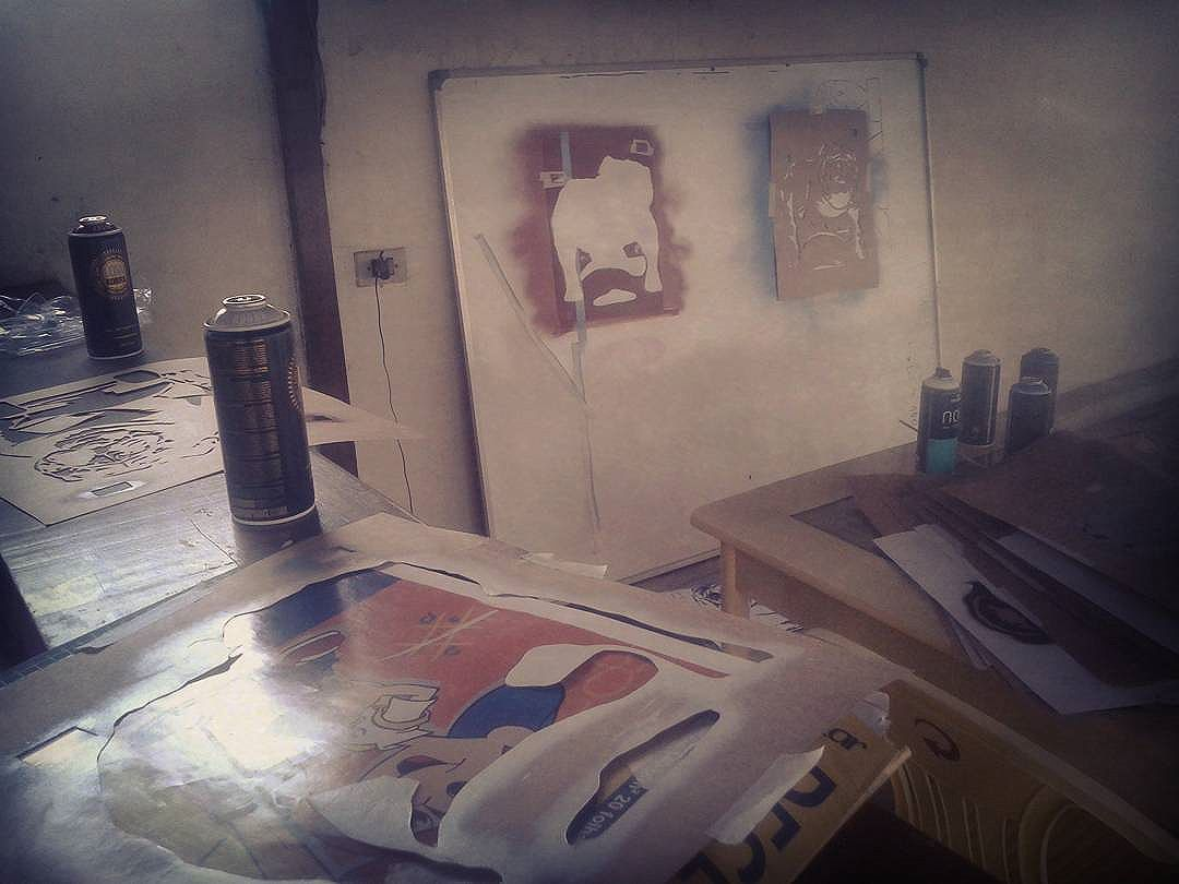 Ta tendo. #stencil #stenciltheworld #stencilism #estencil #stencilrio #stencilrj #streetlogo #street #streetartrio #streetart #artederua #arteurbana #bombing #bomb #welovebombing #throwups #remela #grafitebrasil #grafite #vandalrj #vandal #rjvandal