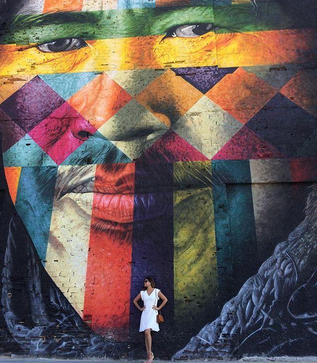 """Aproveitando o feriado para conhecer a nova Praça Mauá. Mural """"Todos somos um"""". #kobra #boulevardolimpico #riodejaneiro #rj #cidademaravilhosa #portomaravilha #artederua #streetart #streetartrio #brasil"""