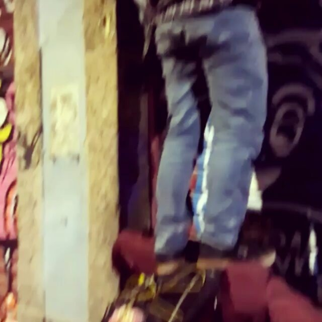 """Bem-vindo futuro""...A criançada se amarra!! #vlt #talize #oced #gamboa #spraycan #streetartrio #graffart #graffiti #chillbirds #comporta #quickie #bomb #tagsandthrows #rio #streetart #urbanart #graffitiporn #birds #tags #characters #persona"