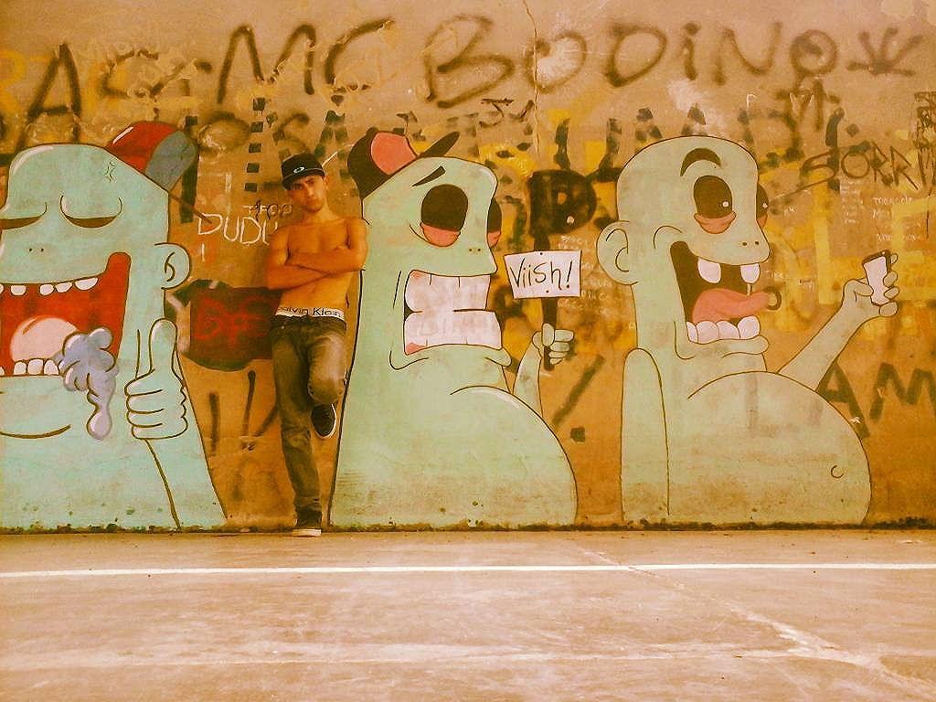 Criador e criaturas kkk obs: a arte sempre salvando... kkk #streetartrio #colorginarteurbana #graffitti #partore #graffitibrasil #streetartbr #arteurba #instagraffiti
