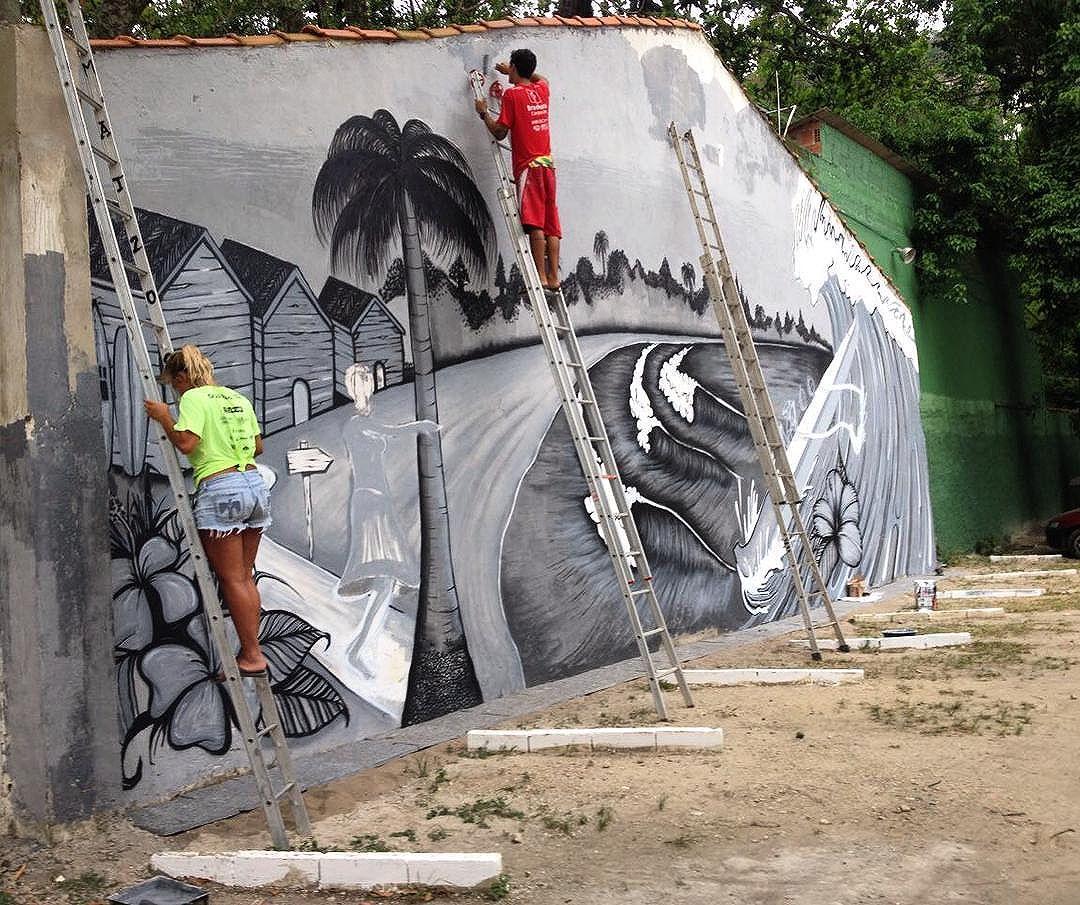 Foram 6 dias de correria, preparando e pintando a parede. Obrigado @ribeiroraysa, sem você não teria acontecido da forma que foi. Obrigado @itaipusurfhoe pelo convite,e por me proporcionar momentos únicos nessas águas.  Em breve vídeo da produção ! #mattosartes #itaipusurfhoe #graffitihouseniteroi #graffiti #graffitiworld #streetartrio #niteroi #canoahavaiana #canoagem #canoa #sea #hawaii