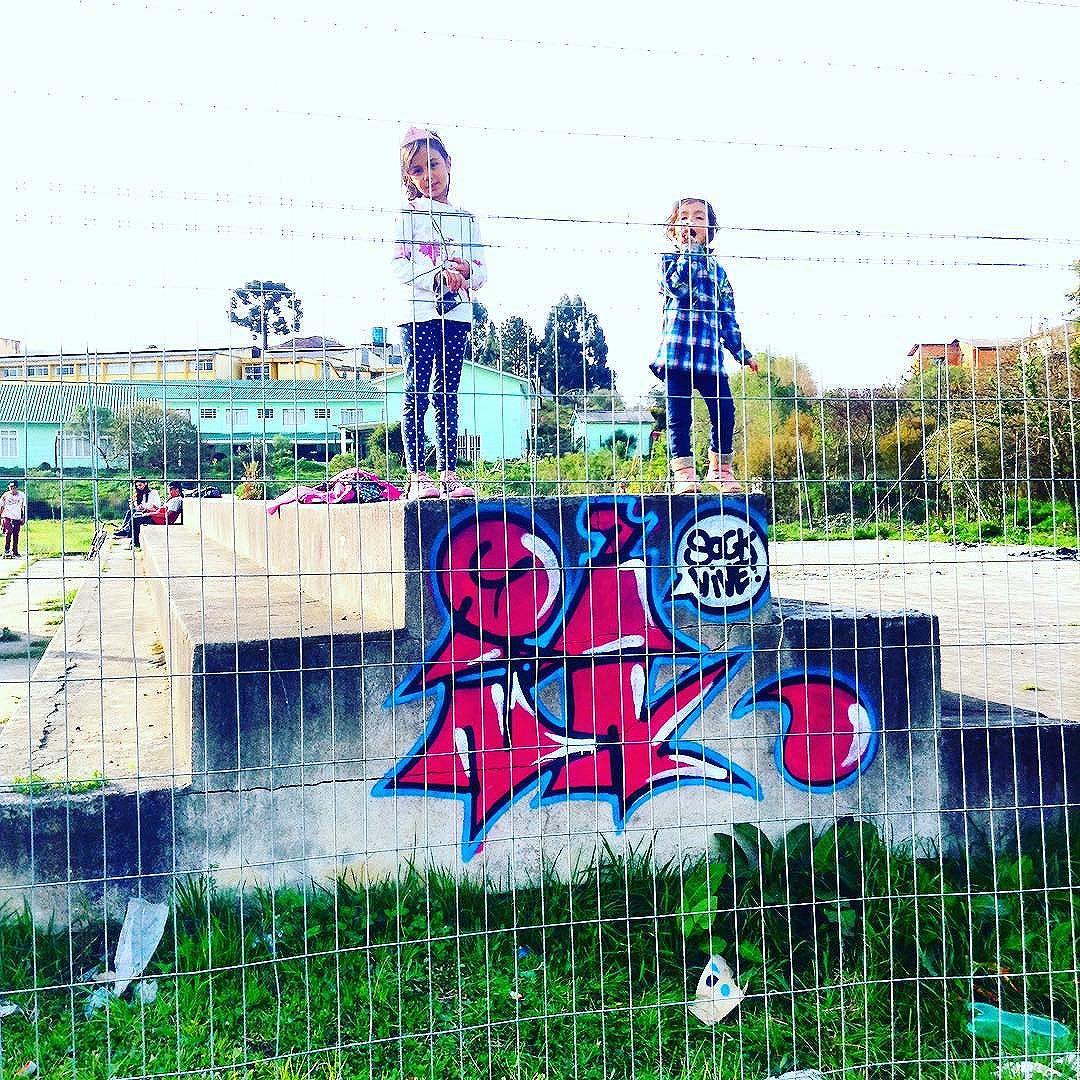 #idolnokids #sockvive #streetart #graffiti #kids #streetartrio #idolno